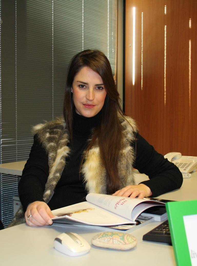 ÁNGELA BUTCHER