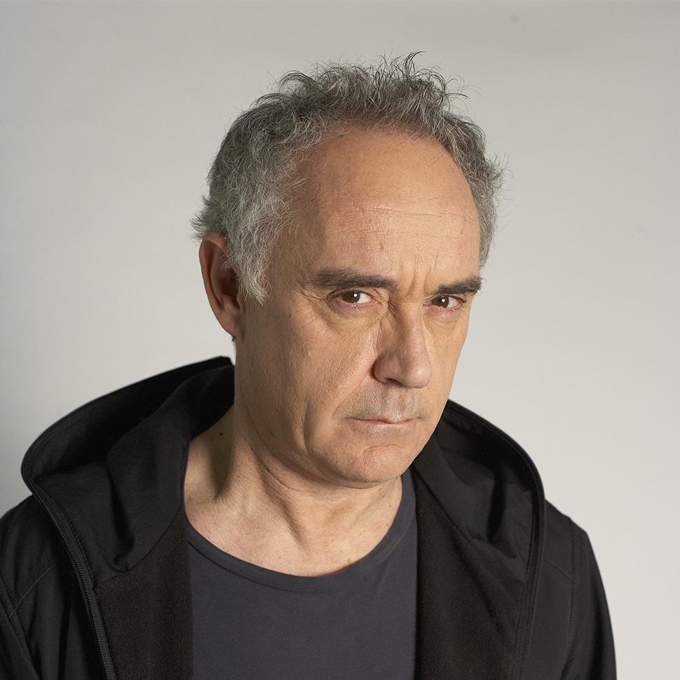 """Ferran Adrià: """"Allugo la gastronomía asturiana ente les más importantes qu'hai na actualidá"""""""