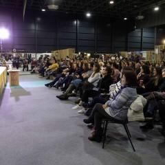 El público disfruta de la ponencia de Juan Llorca.