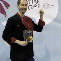 El chef Sebastián Simón (Érase un Gourmet) en el PhotoCall de l festival.